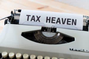 מכונת כתיבה עם כיתוב לגבי החזר מס - תמונה להמחשה